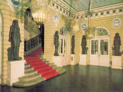 Павловск. Египетский вестибюль и Парадная лестница. Изящество света и красоты