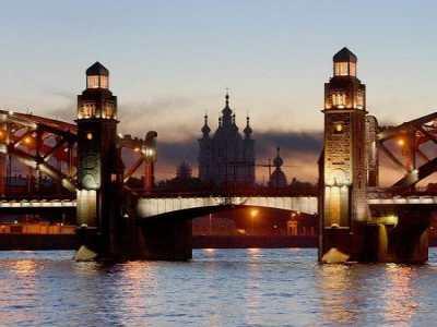 Тур в Санкт-Петербург станет лучшим подарком
