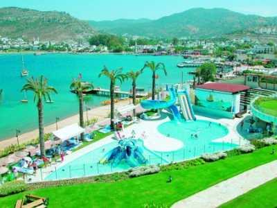 Пляжи в Турции с четырьмя морями